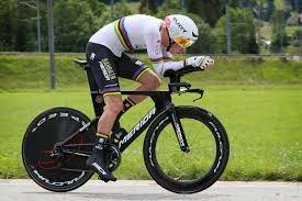 Rohan Dennis takes razor-thin time trial win at Tour de Suisse stage 1
