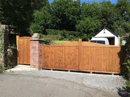 Garden Gates And Side Gates Handcrafted In The Uk To Any Width Or Height Using Time Served Construction T Wooden Side Gates Wooden Gates Driveway Side Gates