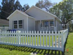 A White Picket Accent Fence Is The Perfect Way To Add Charm And Curb Appeal To Even The Smallest Front Vinyl Picket Fence Wood Picket Fence Picket Fence Panels