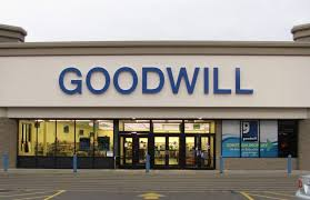goodwill holiday hours open close