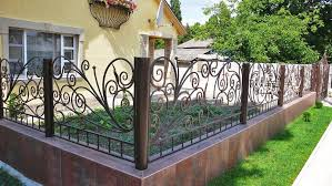 Wrought Fences 59 Photos Openwork Fencing For A Private House How To Choose A Product With Forging And Polycarbonate