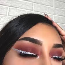 silver glittery eye liner eye makeup