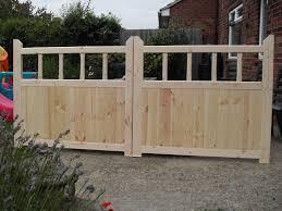 Wooden Garden Gates 4 X 8 Driveway Gates With Spindles Wooden Garden Gate Timber Gates Garden Gates