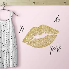 Roommates 5 In X 11 5 In Xoxo Lips 10 Piece Peel And Stick Wall Decals With Glitter Rmk3532scs The Home Depot
