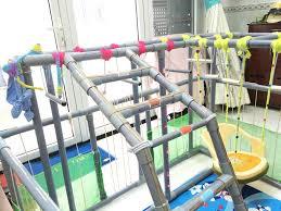 Dự án căn hộ Xi Grand Court Quận 10: Ông bố trẻ tận dụng ống nhựa ...