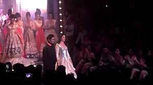kareena kapoor show stopper lakme