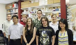 Cancer Center Welcomes Eight Summer Research Scholars