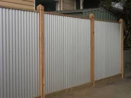 Corrugated Iron Fence I Really Like This Idea Why Didn T I See This Before We Put In Our Wooden One Iron Fence Corrugated Metal Fence Fence