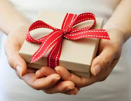 Gifting in Dubai   Etiquette in Dubai   The Vacation Builder
