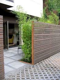 31 Amazing Minimalist Fence Design Ideas For Your Front Yard In 2020 Wood Fence Design Privacy Fence Designs Fence Design