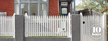 Painting A Fence In 4 Easy Steps Mitre 10