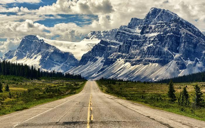 Passpod, icefields parkway, Alberta, Canada