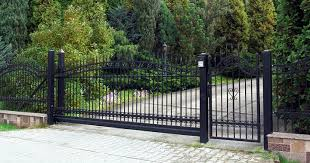 5 Brick Iron Fence Designs To Add Elegance To Your Property