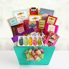 gift baskets to make her feel special
