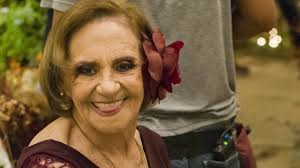 Laura Cardoso completou 92 anos e as pessoas não cansam de elogiá-la nas  redes sociais - VIX