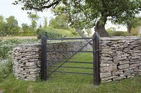 Hardscaping 101 Dry Stone Walls Gardenista