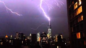 Lightning strike on the Freedom Tower (July 2, 2014) - YouTube