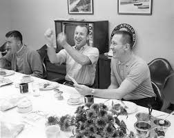 File:Fred Haise (left), Jim Lovell, and Jack Swigert, at breakfast on  launch day.jpg - Wikimedia Commons