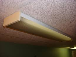 to remove lens from fluorescent fixture