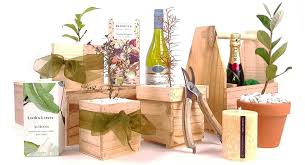 delivering eco friendly tree gifts from