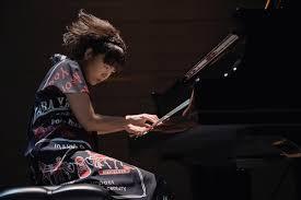 The Kaleidoscopic Colors of Hiromi's Pianism