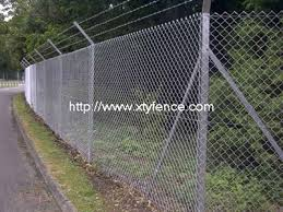 Chain Link Fence With Barb Chain Link Fence With Razor Galvanized Cyclone Fence Have Many Foreign Use Chain Link Fence Selling Agent In Thr Different Area Razor Wire