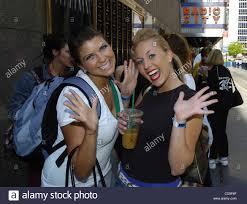 Kelli Moshen (L), 21, of Philadelphia and Kristen Smith (R), 20, of Stock  Photo - Alamy