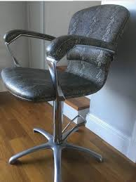 set of 4 hairdressing styling chairs