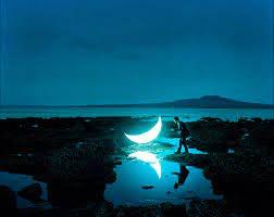 20 φανταστικές φωτογραφίες απ' τον άνθρωπο που συνάντησε τη Σελήνη – και έμεινε μαζί της για πάντα | LiFO