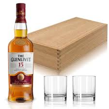 glenlivet scotch gift set with gles