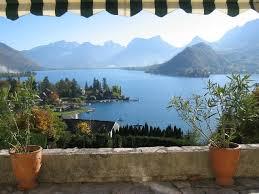 villa avec vue magnifique sur le lac d