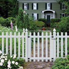 Veranda 3 1 2 Ft W X 4 Ft H White Vinyl Glendale Spaced Picket Fence Gate With 3 In Dog Ear Fence Pickets 181982 The Home Depot