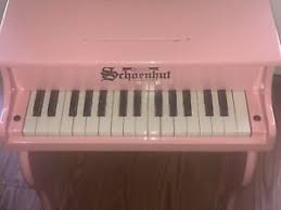 schoenhut 30 key pink fancy baby grand