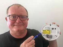 90% of smoke alarms likened to 'driving without airbags' | Queensland Times