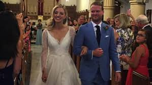 Odd Mom Out' Star Abby Elliott Dishes on Her Wedding to Writer ...