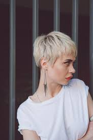 86 Cute Short Pixie Haircuts In 2020 Fryzura Krotka Fryzury