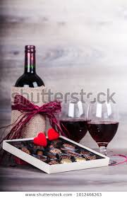 red wine bottletwo glasses wine box