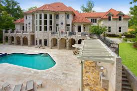 22 000 square foot foreclosure in