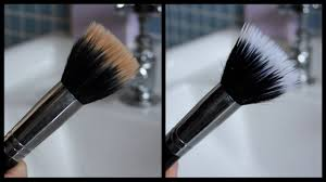 how to clean makeup brushes easiest