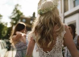 أطواق ورد للعروس تصميمات مختلفة تناسب كل الصبايا مجلة سيدتي