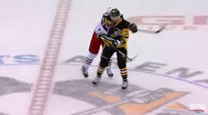 Matt Calvert breaks stick in cross-check of Tom Kuhnhackl (Video)
