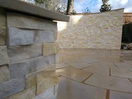 garden landscape stacked stone cladding
