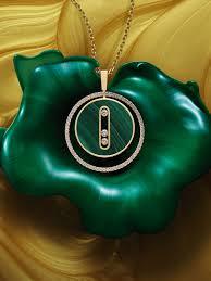 luxury jewelry and high jewelry