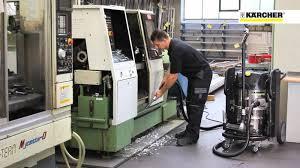 Máy hút bụi nhà xưởng là thiết bị vệ sinh công nghiệp vô cùng quan trọng  hiện nay. Chúng ta sẽ chẳng thể làm sạch được một xí …