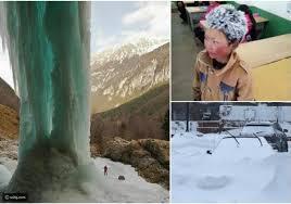 صور مواقف غريبة ومزعجة واجهها أشخاص بسبب الثلوج رائج
