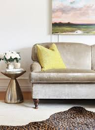ing secondhand sofas and chairs