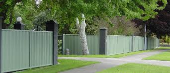 Colorsteel Outdoor Fencing A Low Maintenance Good Looking Solution Eboss