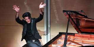 È morto Ezio Bosso, il pianista che emozionava con musica e parole ...
