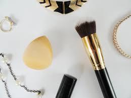 makeup brush vs beauty blender know