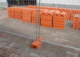 Temp Construction Fence Panels Q195 Iron Wire Materials With Orange Plastic Feet